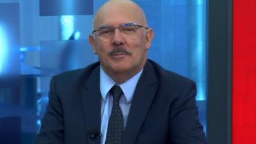 """""""Crianças foram penalizadas com falta do retorno presencial"""", diz ministro"""