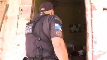 Policiais são recebidos a tiros em comunidade do Rio de Janeiro