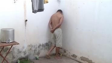 """Suspeito com longa ficha criminal nega crime: """"Não mexo com tráfico"""""""
