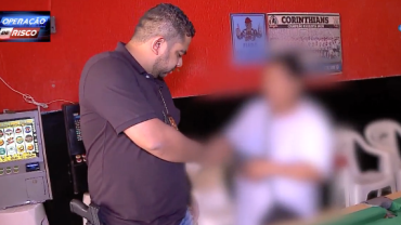 Foragida da Justiça é apreendida dentro de bar após confessar crime