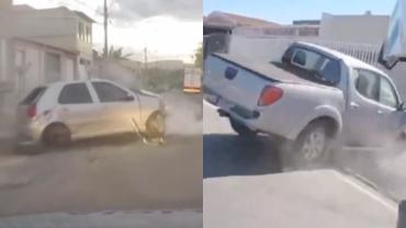Homem bate em muro de casa durante fuga   Dupla capota carro roubado