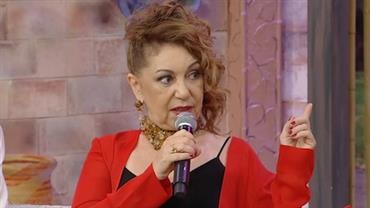 Vânia Bastos conta que é a voz da versão original da música do gás