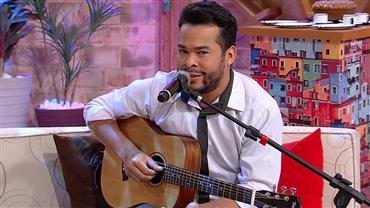 Marcus Vinile arrasa imitando cantores sertanejos