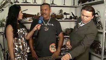 Morador de Paraisópolis reaproveita peças de moto para fazer arte