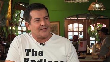 """Beto Barbosa é uma das atrações do """"Sensacional"""" desta quinta-feira (14)"""
