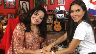 Dani Albuquerque entrevista a cantora Perla no Sensacional