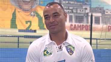 """""""Não há momento mais inesquecível"""", diz Cafu sobre levantar taça da Copa"""