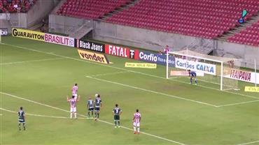 Náutico vence Luverdense na reestreia do técnico Roberto Fernandes