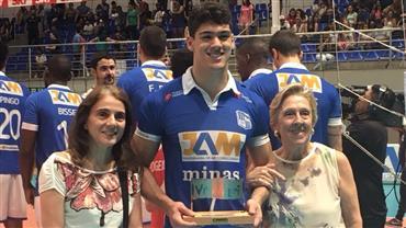 Assista ao último set de Minas Tênis Clube 3x0 Corinthians-Guarulhos