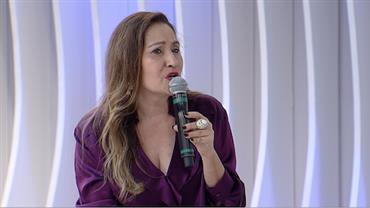 """""""Anitta tropeça no caráter e na personalidade"""", critica Sonia Abrão"""