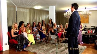 Italiano Gianluca conversa com 'princesas' (6)