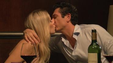 Bachelor arma 'surpresas' em encontro com Paula