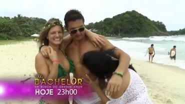 Candidatas tiram casquinha de Gianluca em encontro na praia