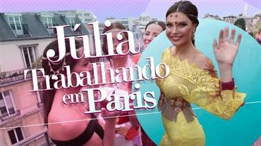Júlia Pereira desfila na semana de moda de Paris