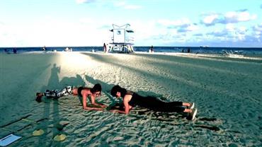 Miami: Júlia Pereira dá dicas de exercícios para fazer na praia