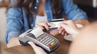 Quem é o vilão: cartão de crédito ou cheque especial?