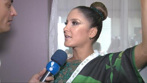 Claudia Leitte revela tens�o por estreia na Sapuca�