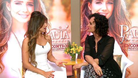 Paula Fernandes confessa fazer as pr�prias unhas e cabelos