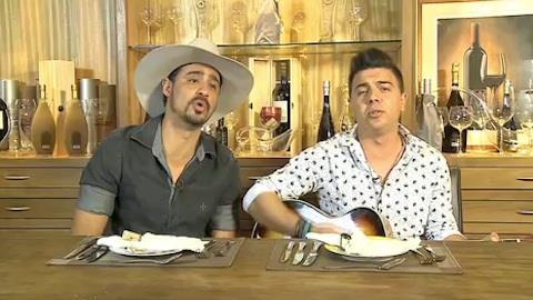 Deuber e Leandro emocionam com cl�ssico de Jo�o Mineiro e Marciano